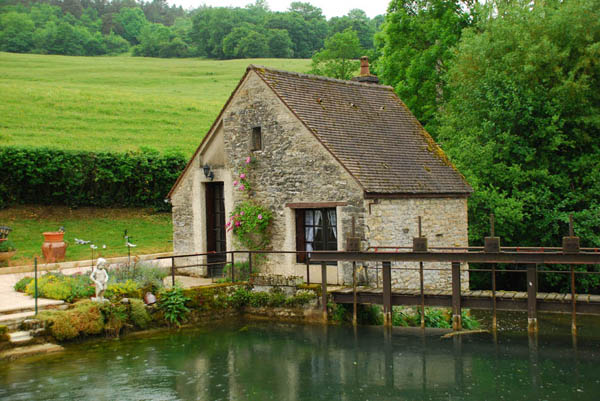 canal keeper's cottage in Burgundy, France | stone and fairy-tale ...