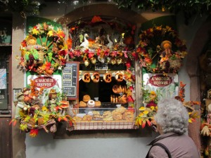 A bakery on the main street in Riquewihr wins the unofficial decorating contest